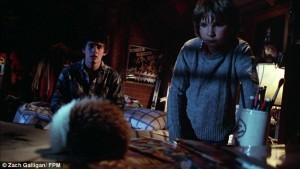 Billy sýnir Pete álfinn sinn, en Pete bleytir hann óvart og afleiðingarnar verða þeim ofviða. Eftir þetta sjást þeir ekki varla ræðast við.